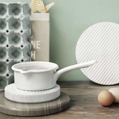 GROOVE Trivet Small, Grey