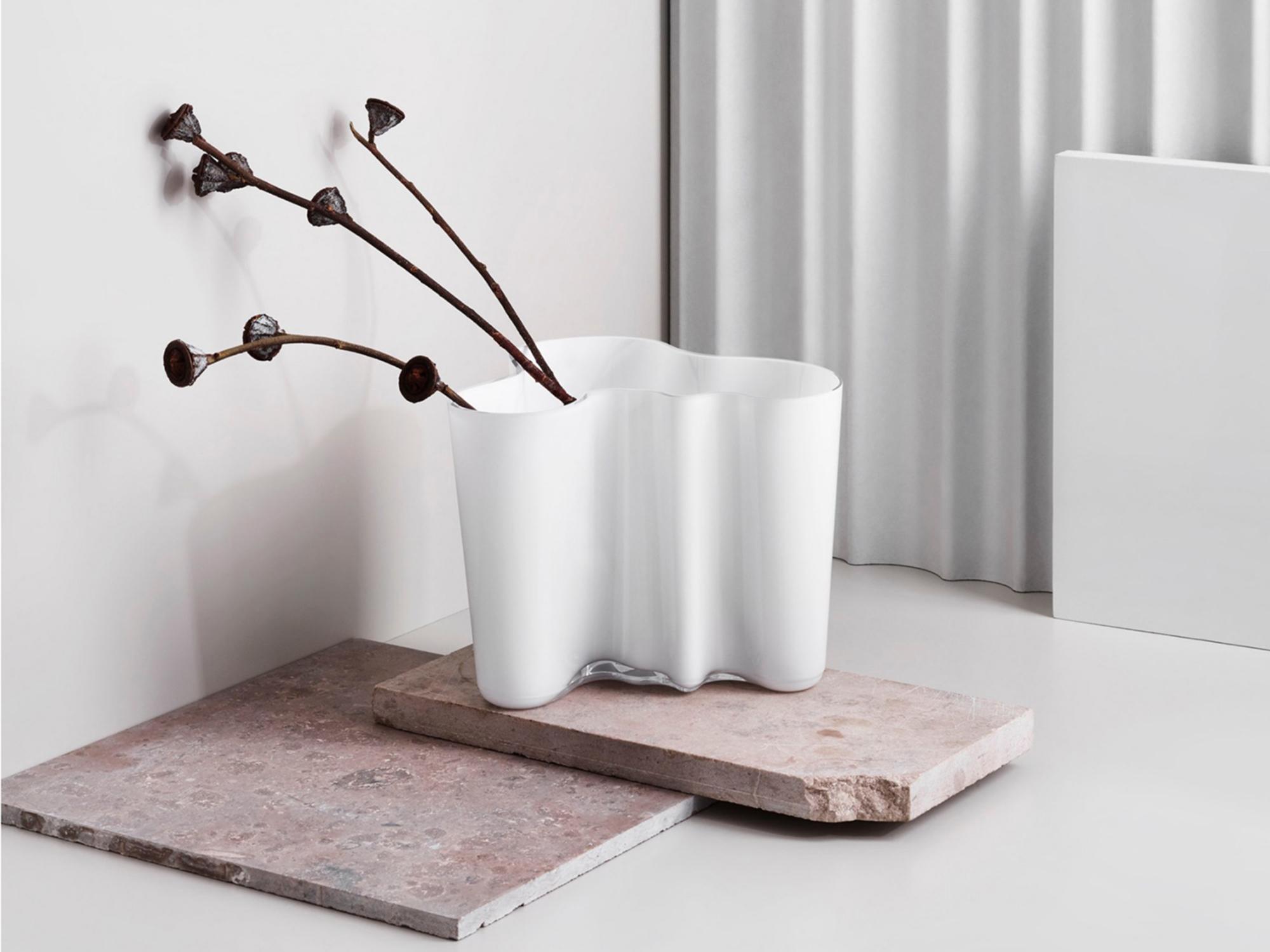 Design Alvar Aalto.Alvar Aalto Vase 95mm White