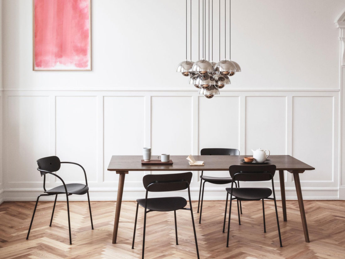 PAVILION AV1 Chair , Black