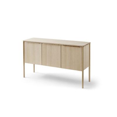 JUT Cabinet, Oiled Oak