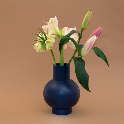 STRØM Vase Small, Purple Ash