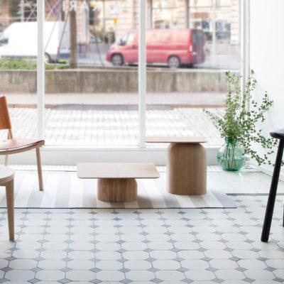 APRIL Table 50×30