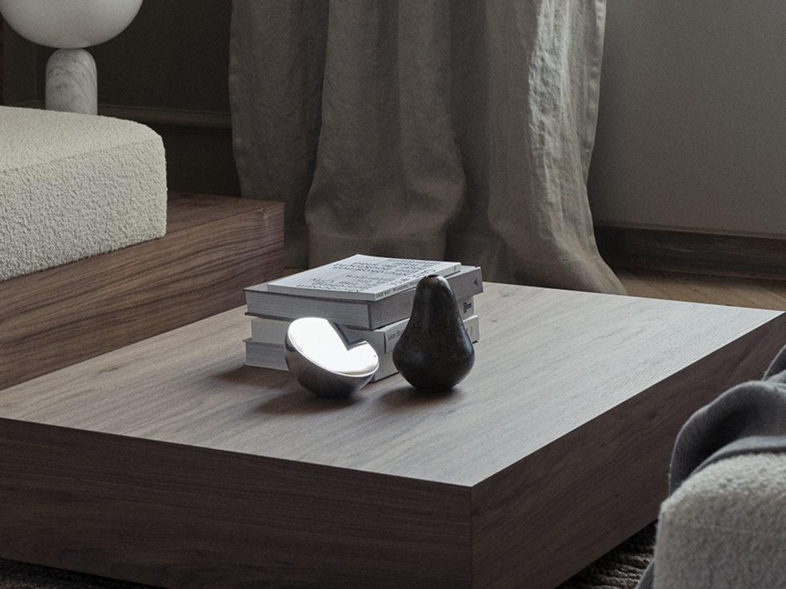 AURA Table Mirror